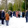 Eile mälestati Kudjape kalmistul märtsiküüditamise ohvreid. Hardushetkel osales paarkümmend peamiselt eakamat inimest, keda ennastki oli kurb saatus 59 aastat tagasi Siberi teele viinud.