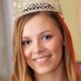 """Laupäeval toimunud Miss Estonia 2008 iluduskonkursil krooniti erinevate voorude alusel parimaks 21-aastane saarlanna Kadri Nõgu. """"See kõik ei ole veel täielikult kohale jõudnud,"""" ütles võidukas kaunitar päev peale konkursi võitmist, """"aga tunne on suurepärane."""" Nõgu hinnangul tagasid edu vaba suhtlemisoskus ja kirjutatud essee. """"Võistlusel osalemiseks pidi kirjutama essee, mille järgi hinnati kandidaadi isiksust – miss Estonia peab olema kooskõlas mõistuselt ja välimuselt,"""" rääkis Nõgu, lisades, et essee oligi võistluse üks raskemaid elemente."""
