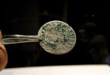 Sajanditevanune mündileid Ruhnu saarel