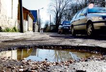 Kodanikud ei ole rahul tänavaaukude parandamise kvaliteediga
