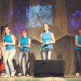 Reedel ja laupäeval Salmel toimunud 14. Saaremaa koolinoorte kultuuripäevad olid eestluse hõnguga ja pühendatud vabariigi 90. aastapäevale.