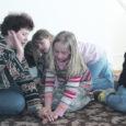 25. ja 26. aprillil toimus Kärla Maarja-Magdaleena koguduse pastoraadis Saare maakonna laste viies folkloorilaager. Laagrilisi tuli kokku 40 ringis – nii Mustjalast, Leisist kui ka Kärlalt.