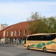 Teisipäeva õhtul parkisid bussid Kuressaare kesklinnas valesti. Oma Saare andmetel seisid bussid niimoodi selles paigas vähemalt kella kuuest seitsmeni.