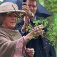 Viienda kroonitud peana läbi aegade külastas eile Kuressaaret Hollandi kuninganna Beatrix. Tema Majesteedile anti kolme tunni jooksul lühiülevaade Kuressaare linnast.