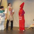 Möödunud reedest pühapäevani kestis Jõgevamaal Tabivere vabaajakeskuses VIII külateatrite festival, kus saar-lastest osalesid Salme vallateater, Lümanda näitering ja Tornimäe näiteselts. Saare rahvas mängis festivalil kodukandi kirjameeste Albert Uustulndi ja Juhan Smuuli ning ka kaasaegse mandriklassiku Andrus Kivirähki loomingut.