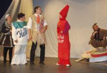 Saarlased käisid külateatrite festivalil kolme näiteseltskonnaga