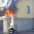 Eile kell 14.36 sai häirekeskus teate, et Kuressaares Tolli tänaval põleb korterelamu rõdupiire.