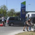 Laupäeval, 7. juunil kella 12.18 ajal toimus liiklusõnnetus Kuressaares Tallinna–Mooni tn ristmikul, kus sõiduauto VW Sharan, mida juhtis 59-aastane Iivo, sõitis ette peateel liikunud alkoholijoobes jalgratturile, 49-aastasele Toomasele.