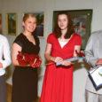 Eile tunnustasid Kuressaare linnapea ning haridus- ja kultuuritöötajad kultuurikeskuses aasta gümnasisti ja Kaunite Kunstide stipendiumide saajaid, medaliste ja aktiivsemaid gümnaasiumilõpetajaid.