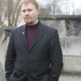 """Samal teemal:  OS 7. november 2007 Raul Vinni """"Kuressaare muusikakoolis lokkab niiskus ja hallitus"""" OS 14. märts 2008 Raul Vinni """"Linn taotleb viisteist miljonit muusikakooli renoveerimiseks"""""""