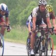 Eilses paduvihmas peetud 51. Saaremaa Velotuuri pikima, 150 km pikkuse etapi võitis fotofinišiga klubist Arctic Sport Club Andrus Aug (fotol nr. 52), kellele kaotas napilt CFC rattur Mart Ojavee. Kolmas oli Allan Aulik.