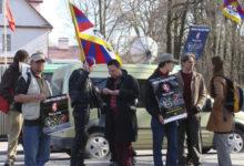 Meremaa bänd filmis Saaremaal Tiibeti olümpiamängude muusikavideot
