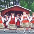 Laupäeva õhtul oli Mustjala mõisapark täis rahvariideis laulu- ja tantsuhuvilisi. Seda nii Saare-, mandri- kui Soomemaalt. Kokkutuleku põhjuseks oli 150 aasta möödumine ajast, kui kohalik köster Andreas Allas Mustjalga esimese segakoori asutas.