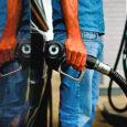 Saksa majandusanalüütikud on seisukohal, et juulikuu keskel alanud naftahinna langus kestab vähemalt selle aasta lõpuni. Eelkõige on hinnalanguse taga nõudluse vähenemine Ameerika Ühendriikides.