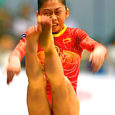 Pekingi olümpiamängude eel on taas tekkinud kahtlused, et Hiina võistkonda kuuluvad naisvõimlejad on tegelikult nooremad, kui on näidatud nende ametlikes isikuttõendavais dokumentides. Seekord käib jutt võimlejannadest He Kexin ja Jiang Yuyan. Nii internetis kui ka ajakirjanduses ilmunud andmed kõnealuste sportlaste vanuse kohta on väga vasturääkivad.