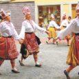 Juuli lõpus, täpsemalt 23. kuni 27. juulini osales muhulaste naisrühm Tokkroes 45. Europeade'il ehk suvisel Euroopa folkoorifestivalil Šveitsis.