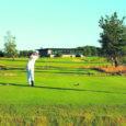 15. augustil toimuv VIP-ide avavõistlus kuulutab ametlikult avatuks Saaremaa golfikeskuse, mis hõlmab nii täismõõtmetes 18 rajaga golfiväljakut kui ka klubihoonet. Golfiklubi hoones on avatud restoran Pegasus Saaremaa ning pakutakse mängijatele teenuseid.