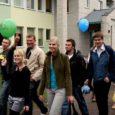 Ajal, mil koolide sulgemine Eesti vabariigis on muutunud vaat et iga-aastaseks traditsiooniks, ei pea Saare maakonna seni kõige uuem maapõhikool sulgemise ees hirmu tundma. Oma 20. sünnipäevani jõudmisega näitas Salme põhikool, et elujõudu Sõrve kandi hariduselus veel jätkub.