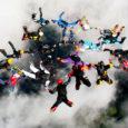 Elu jooksul 335 langevarjuhüpet teinud Antti Kopliste sai osa langevarju kujundlendamise Eesti rekordi sünnist. Eelmisel neljapäeval moodustasid Eesti Langevarju Klubi liikmed Rootsis Gävle lennuväljal vabalangemisel 17 inimesest koosneva kujundi.