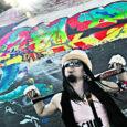 Kuressaarest pärit, kuid viimased aastad põhiliselt Londonis tegutsenud Ott Evestus (24) räägib usutluses Oma Saarele, mida tähendab noore muusiku jaoks oma videoga MTV eetrisse pääsemine ja milliseid uksi see on aidanud avada.