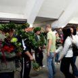 Pole just igapäevane nähtus, et Kuressaare bussijaamas mängib orkester ning saabujaid pärjatakse tammeokstest pärjaga. Seda juhtub vaid siis, kui koju saabuvad maailmameistrid. Eile oli Aimar Kuusnõmme ja Rait Sagori kord.