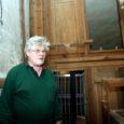 Kuressaare Laurentiuse kiriku ajaloolise Saueri oreli restaureerimine on asjaomastes ringkondades tekitanud paraja vaidluse teemal, kas tegemist on ikka vana oreli taastamise või pigem mõne vana detailiga uue oreli ehitamisega.