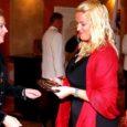 Laupäeval allkirjastati Kuressaare raekojas pidulikult Lions-klubi Kuressaare Piret asutamisürik. See toiming andis siinsele kogukonnale juurde üle 20 sihipäraselt heategevusega tegeleva naise.