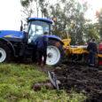 Saaremaa põllumeestele demonstreerimiseks toodud Agrisemi sügavkobestaja Cultiplow 52 M ei pidanud Saikla põldudel töötades vastu ja viidi tagasi Kehtnasse, firmasse OÜ Rodnas, mis New Hollandi maaharimismasinaid vahendab.