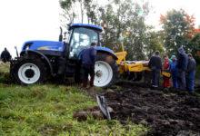Uus mullaharimisriist murdis Saaremaa põldudel hambad