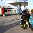 Kuressaare bensiinijaamades tankimise ajal suitsu tegevad noored tekitavad hirmujudinaid samas tankivates inimestes, kel on tanklas suitsetamise keeld juba autokoolis pealuusse raiutud.