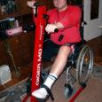 """22. detsembril 2007 ilmus Oma Saares """"Risko lugu"""", milles pöörduti heade inimeste poole palvega toetada raskes autoõnnetuses jala kaotanud Risko Tiitmat trenažööri ostul."""
