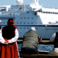 Saare maavalitsus ja kohalikud turismiettevõtjad kavatsevad novembris toimuval kohtumisel laevafirma Tallink esindajatega arutada võimalusi Riia–Stockholmi liinil vahepeatuse tegemiseks Saaremaa Sadamas.