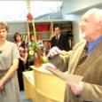 Reede pärastlõunal peeti 125. aastaseks saanud Valjala raamatukogu värskelt remonditud ruumides sealse kultuurikantsi auväärset juubelit. Peaettekande pidas Valjala vallas lapse ja noormehena elanud ajaloolane Bruno Pao, kes tõi kujukaid näiteid raamatukogu ajaloost, oma lugemisharjumustest ning pidas vajalikuks ära märkida kümneid raamatukogutöötajaid ja endisaegseid majandus- ja kultuurijuhte, kes üht- või teistviisi juubilarraamatukoguga seotud.