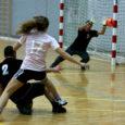 Nädalavahetusel avalöögi saanud Saaremaa meistrivõistlusi minijalgpallis asus pärast esimest etappi juhtima Salme meeskond, kellel kaitsta eelmise aasta tiitel. Esikohakohtumises alistati FC Kose Glen Põllu väravast 1 : 0.