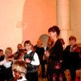 """Pühapäeva õhtul korraldas mittetulundusühing Usk ja Valgus Kuressaare Laurentiuse kirikus heategevuskontserdi """"Trepist üles"""", mille tulu läks 17-aastase Keni toetuseks."""