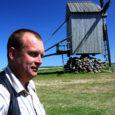 Riigikogulased Jüri Ratas ja Kalle Laanet pöördusid regionaalminister Siim-Valmar Kiisleri poole taotlemaks Angla Tuulikumäe projekti täielikku finantseerimist ettevõtluse arendamise sihtasutuse poolt.
