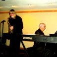 Džässartistist saksofonist Kuressaare Kultuurivara juhataja Villu Veski jõulukuu tiheda esinemisgraafiku juhatas sisse kontsert Torontos Tartu Colleges'is koos pianist Armas Maistega. Kontserdi kohta avaldas nii eelinfo kui ka retsensiooni Kanadas ilmuv ajaleht Eesti Elu. Sealne muusikaarvustaja Eerik Purje on väga värvikalt lugejateni toonud kontserdisaalis valitsenud iselaadse atmosfääri.