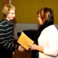Nädala eest Pärnus toimunud Koidulauliku konkursi vabariiklikus voorus tuli oma vanuseastmes võitjaks Saaremaa ühisgümnaasiumi abiturient Jörgen Liik. Lisaks võitjatiitlile pälvis ta poetess Doris Kareva lemmikesineja tiitli.
