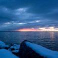 Nädalavahetusel käisid Saaremaa vetes riiklikku seiret teostamas Tartu Ülikooli Eesti Mereinstituudi teadlased, et selgitada, milline on talvise mere seisund. Osades kohtades Liivi lahes mõõdeti bioloogilisi ning füüsikalisi-keemilisi näitajaid esmakordselt.