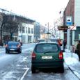 Kuressaare taksofirmad taotlevad linnavalitsuselt tasuliste ootekohtade rendihinna alandamist, sest majandussurutis on taksode kasutamist poole võrra vähendanud.