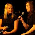"""Nädalavahetusel toimus Saaremaa ühisgümnaasiumis juba 13. korda üleriigiline noorte solistide konkurss, mille peaauhinna võitis Laine Lehto õpilane Kristel Aaslaid, kes esitas laulu """"I'm Not Going"""". (Pildil koos Tuuli Rannaga, kellega saavutati teine koht ka duettide arvestuses.)"""