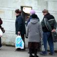 Eile oli esimene päev, mil paljud eakad said oma pensioni kätte esimest korda pangakontorist.