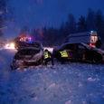 Reede õhtul kaotas Kuressaare–Kuivastu maanteel Tahulas juhitavuse sõiduauto, mille roolis istus 19-aastane noormees. Õnnetuse tagajärjel sai kaks inimest vigastada.