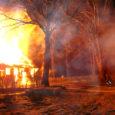 Ööl vastu teisipäeva põles Kaarma vallas Praakli külas kõrvalhoone, lähedal asuva elumaja süttimise suutsid päästjad ära hoida.