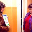 Eile andsid ajalehe Oma Saar peatoimetaja Tiina Luks ja vastutav väljaandja Gunnar Siiner Kihelkonna hooldekodule üle sümboolse tšeki 10 000 kroonile. Raha koguti jõulude ajal heategevuskampaaniaga, mille algatasid Oma Saar ja Kadi raadio.