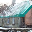 Kahe Saaremaa suurmehe – Rudolf ja Oskar Kallase – sünnikodu Kaarma Kirikukülas on nutuses seisus. Viimased aastad on vald püüdnud muinsuskaitseameti toel maja hävimisest päästa, tänavu on lootust saada 350 000 krooni, mille eest plaanitakse hoonele panna uus katus.