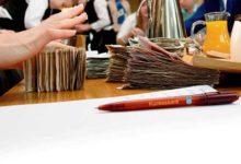 Kuressaare vähendab palku aprillist pea viiendiku võrra