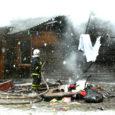 Eile hommikul hukkus Kaarma vallas puhkenud elumaja tulekahjus kuueaastane tüdruk. Vanemad jõudsid põlevast majast päästa ülejäänud neli last, kelle kiirabi viis haiglasse.
