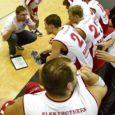 Saarlaste parim korvpallimeeskond, Eesti esiliigas mängiv SWE-7 alustab laupäeval kell 16 kodusaalis play-off kohtumisi. Treener Marko Ool tunnistab, et kõrgemale pürgimiseks tuleb võtta samm korraga, ning loodab, et esimesele vastasele Võru KK-le saadakse ikkagi vastu. Ool märgib, et kõva tuge annaks meeskonnale rohkearvuline publik kodusaalis.