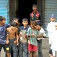Möödunud aasta lõpus võtsid neli sõpra-reisiselli – Märt Meos, Marti Kivimägi, Ants Lusti ja Saaremaa mees Aarne Mägi – ette pika ja eksootilise reisi Nepali ja Bangladeshi. Tõsi, Bangladeshi mindi kolmekesi, Ants pöördus Katmandus kodu poole tagasi. Reisikirja esimene osa Nepalist ilmus 14. veebruari Oma Saares.